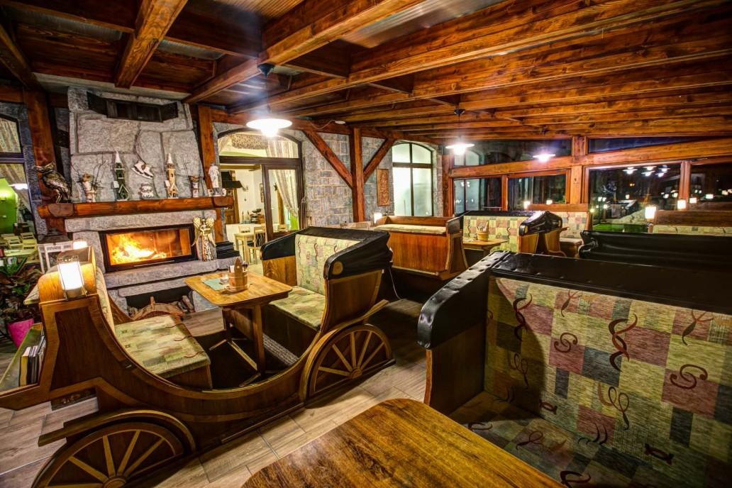 Kaviareň a reštaurácia Fiaker Vysoké Tatry Tatranská Lomnica Penzión Zora Family